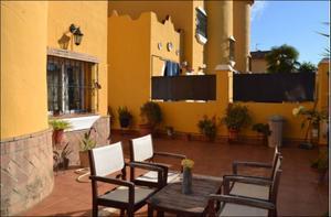 Casa adosada en Venta en Montequinto ,condequinto / Dos Hermanas