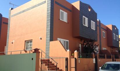 Casa adosada en venta en Los Moralillos, Guayonje - Mesa del Mar