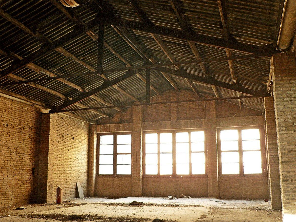 Lloguer Nau industrial  Gaspar aguilar, 35. Edificio industrial singular
