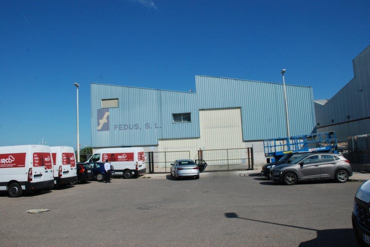 Capannone industriale  Calle panerers, 2. Magnífica nave industrial de 647 m2 en el polígono campo anibal