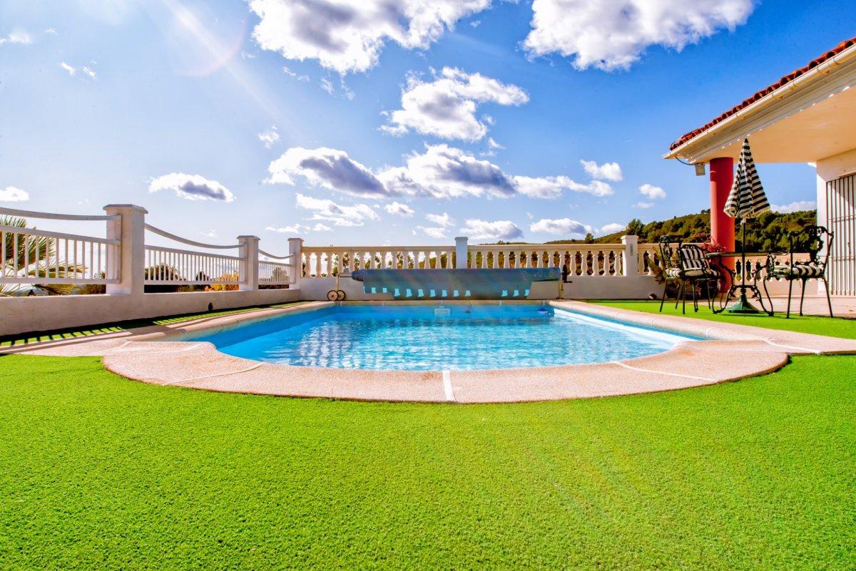 House  Poligono 11, 181. Vistas panorámicas, inspiradoras, casa off-grid.