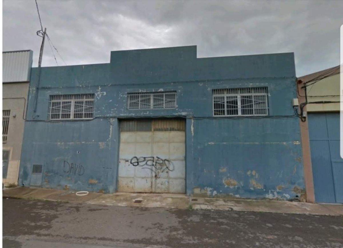 Rent Industrial building  Calle c/ cuatro cuatro, 5. Nave diáfana