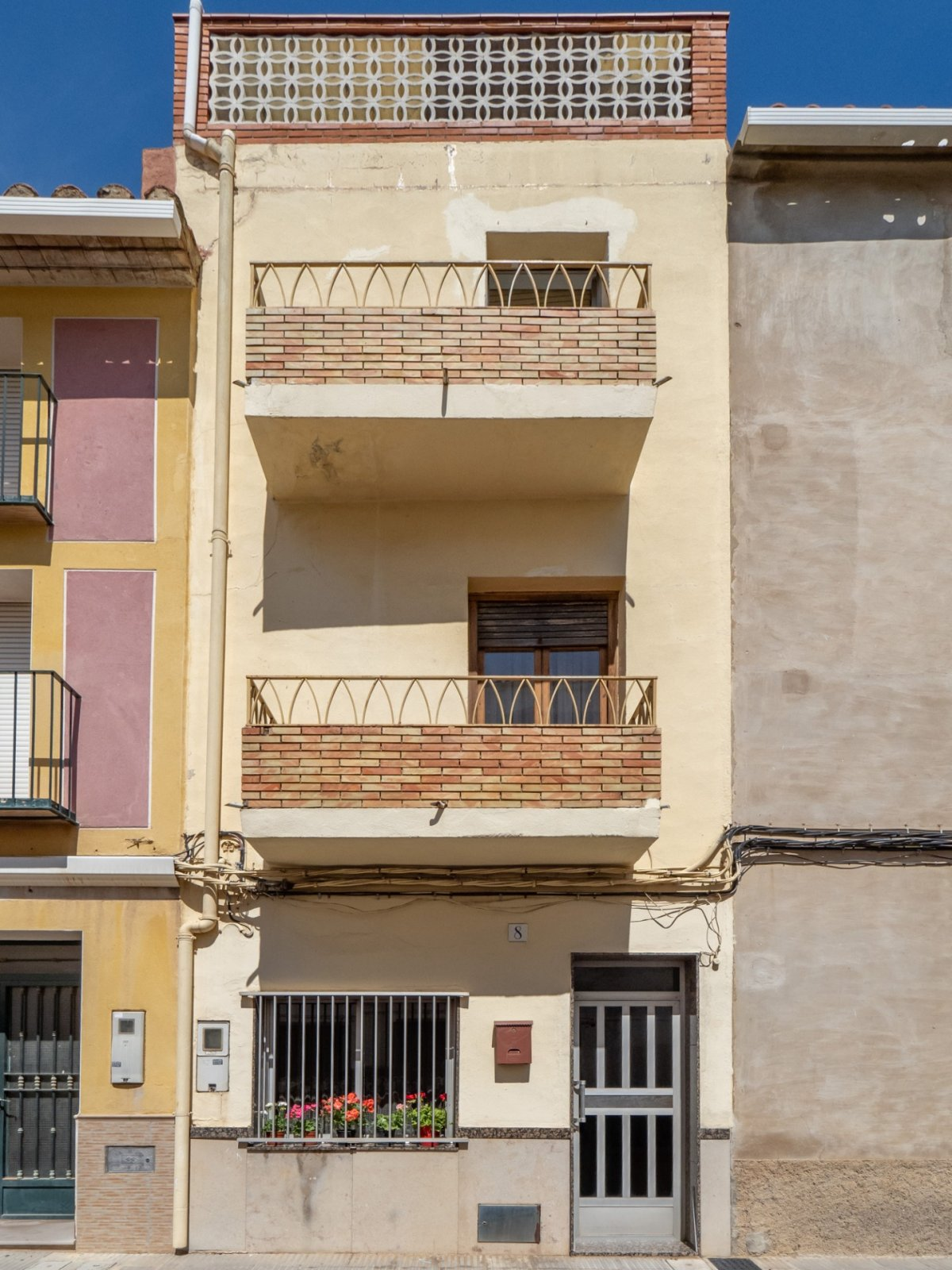 Casa  Calle calvari, 8. Magnifica casa de pueblo en una zona tranquila pero bien comunic