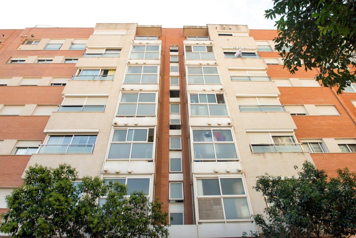 Lloguer Pis  Calle blas de otero, 2. Tu piso de barrio ideal con todos los servicios, ¡a tu alcance!