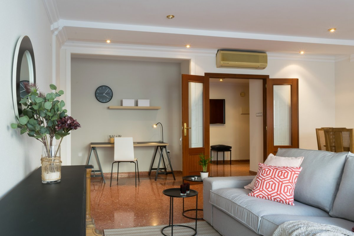 Alquiler Piso  Calle maulets. Lujo por los detalles, acogedor y espacioso piso cerca del jardí
