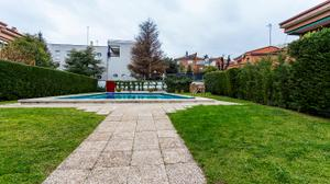 Casa adosada en Venta en Estrecho de Mesina / Hortaleza
