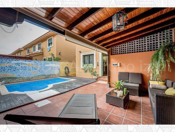 Casa adosada en las palmas de gran canaria en ciudad alta for Casas en ciudad jardin las palmas