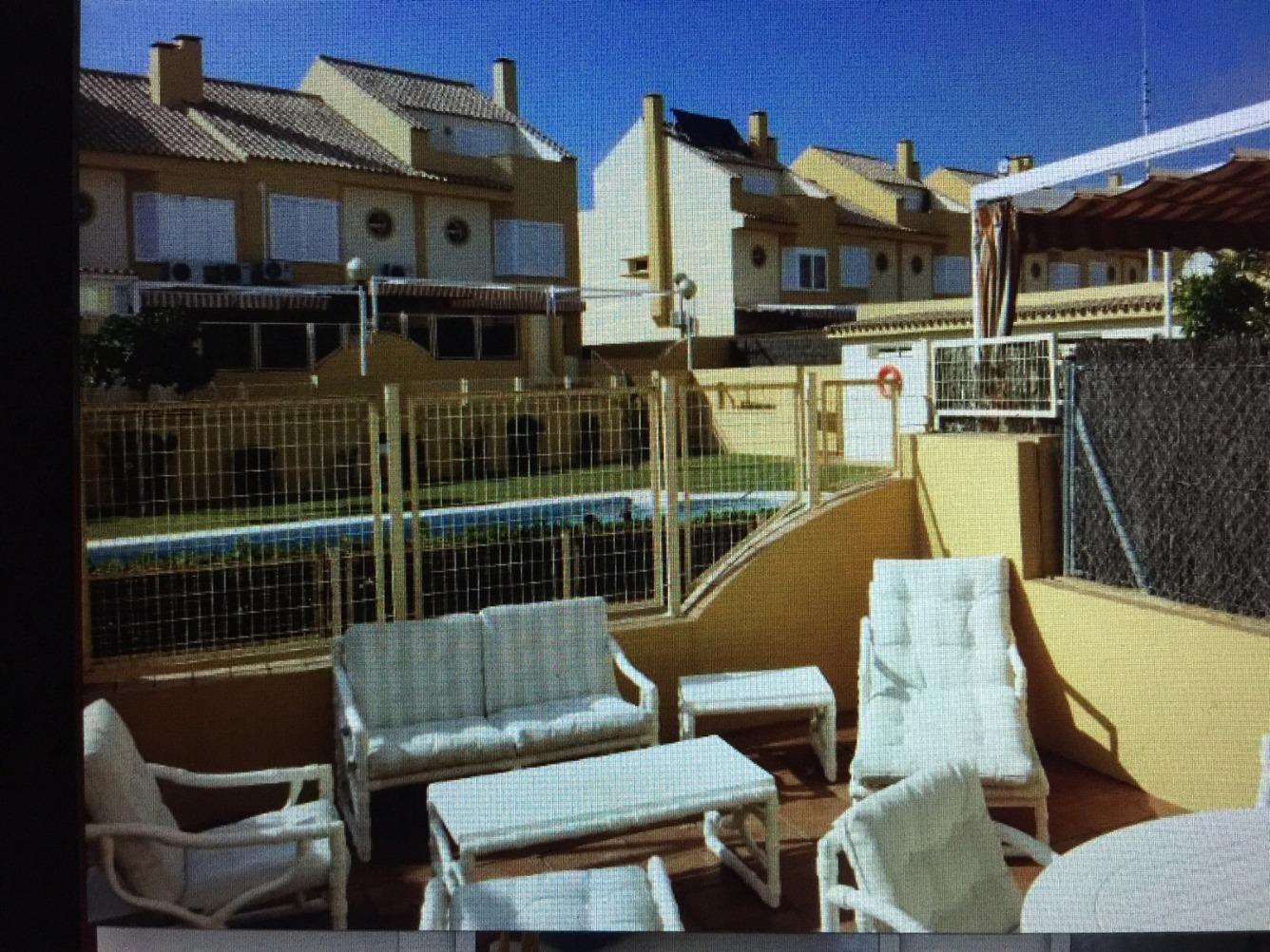 Casas y pisos en alquiler en valdelagrana puerto de santa for Pisos alquiler campo real