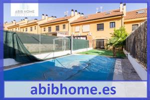 Casa adosada en Alquiler en Perales de Tajuña, Zona de - Campo Real / Campo Real