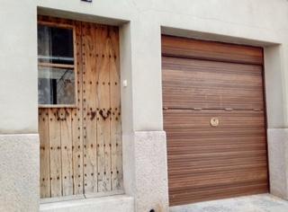 Casa  Lloret. Superf. 260 m², 169 m² solar,  3 habitaciones (3 dobles),  1 bañ