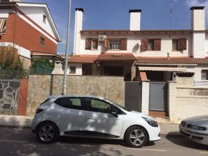 Chalet en Venta en Can Clavellas / Palau-solità i Plegamans