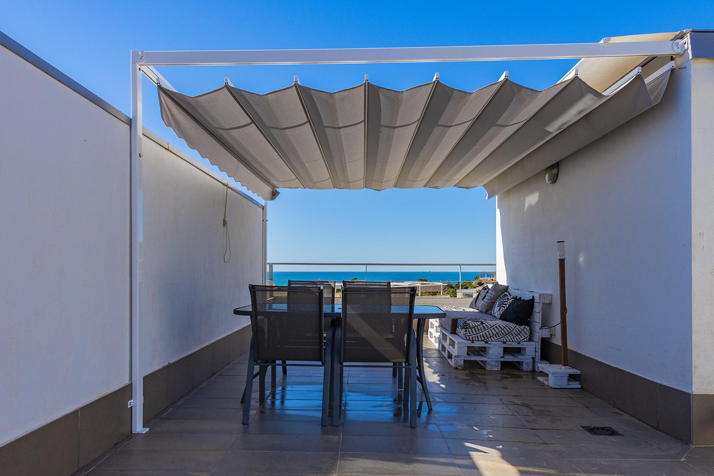 Holiday lettings Flat  Calle el rall, 1. Apartamento con vistas al mar disponible desde octubre a 30 de j