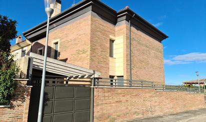 Casa adosada en venta en Del Orden, San Mamés de Burgos