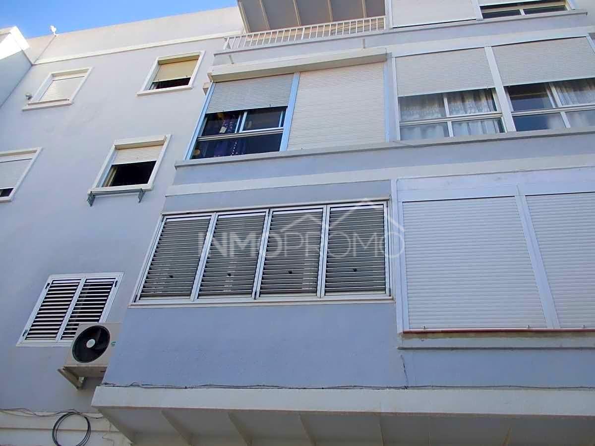 Appartamento  Calle de ingeniero tamarit. Este piso se encuentra en calle de ingeniero tamarit, 46170, vil