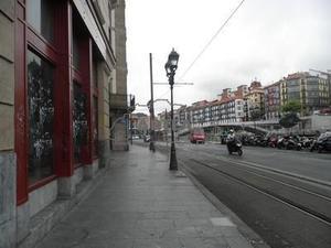 Local comercial en Alquiler en Mercado de la Ribera, Casco Viejo / Ibaiondo