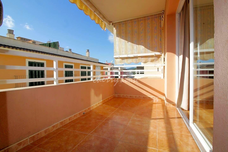 Alquiler Piso  Calle carrer sa teulera. Amplio piso con vistas despejadas en el pueblo de andratx, dos p