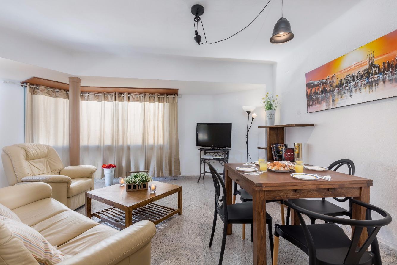 Alquiler de Temporada Piso  Cardenal pascual d arago, 34. Piso de 2 habitaciones 1 baño  , cocina , comedor y terraza
