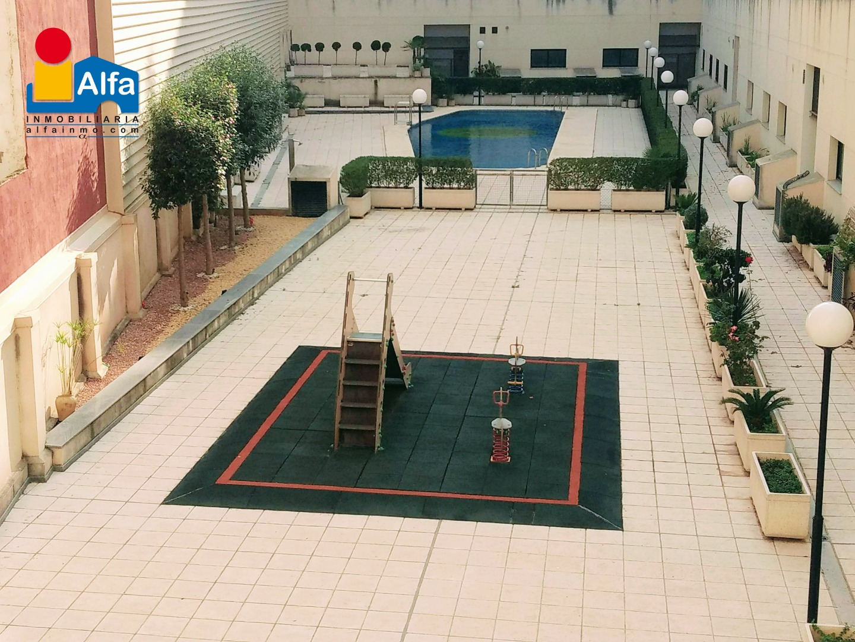 Pis  Alfafar, zona de - alfafar. Espectacular piso con piscina y parque infantil!!!
