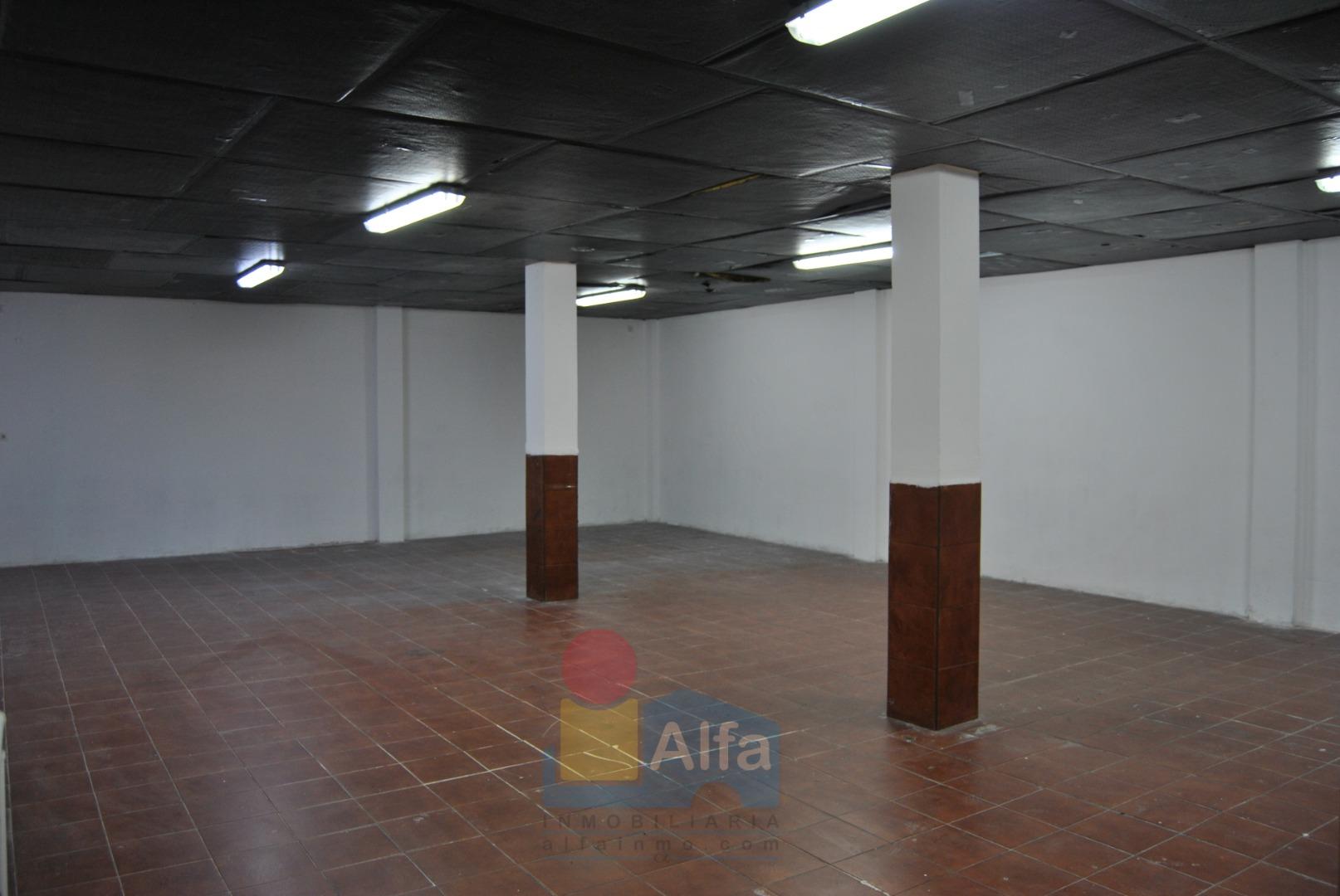 Local commercial  Massanassa. Local en massanassa, de 170 m2 y con acceso de vehículos.