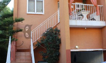 Casa adosada de alquiler en Chiva
