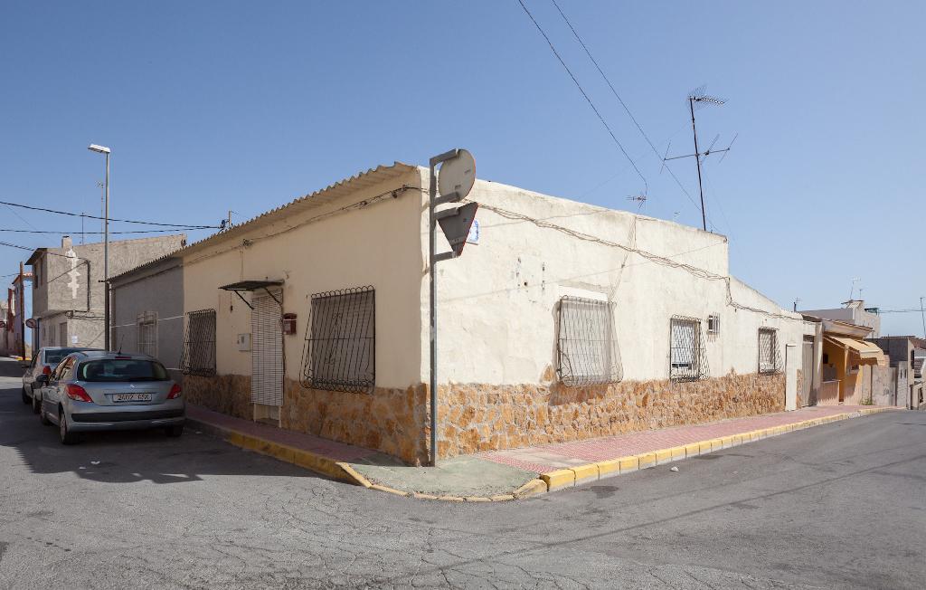 Casa adosada en venta en Quevedo, 1