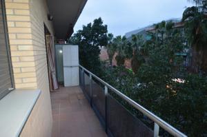 Piso en Alquiler en Santa Coloma de Gramenet - Fondo / Fondo