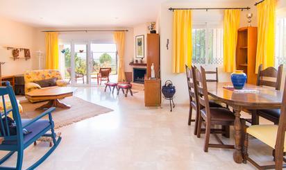 Viviendas y casas de alquiler en Granada Club de Golf, Granada