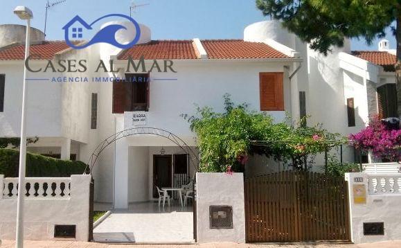 Holiday lettings House  Calle ibiza, 53. Casa en alquiler vacacional en playa, 3 dormitorios.