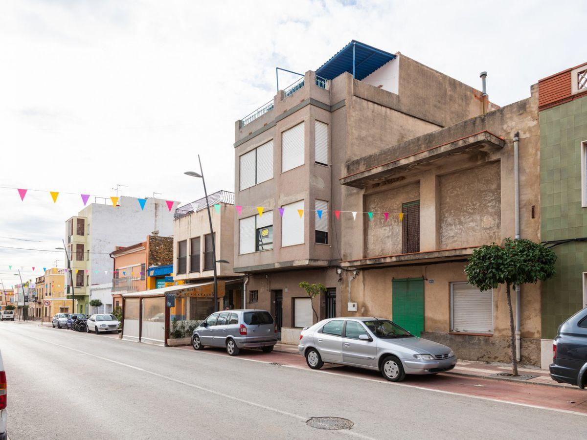 Gebäude  Avenida del mar, 68. Edificio en venta en torreblanca, 9 dormitorios.