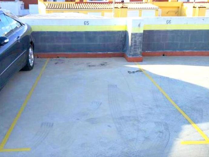 Foto 3 de Garaje de alquiler en Cervantes, 14 Pueblo de Cullera, Valencia
