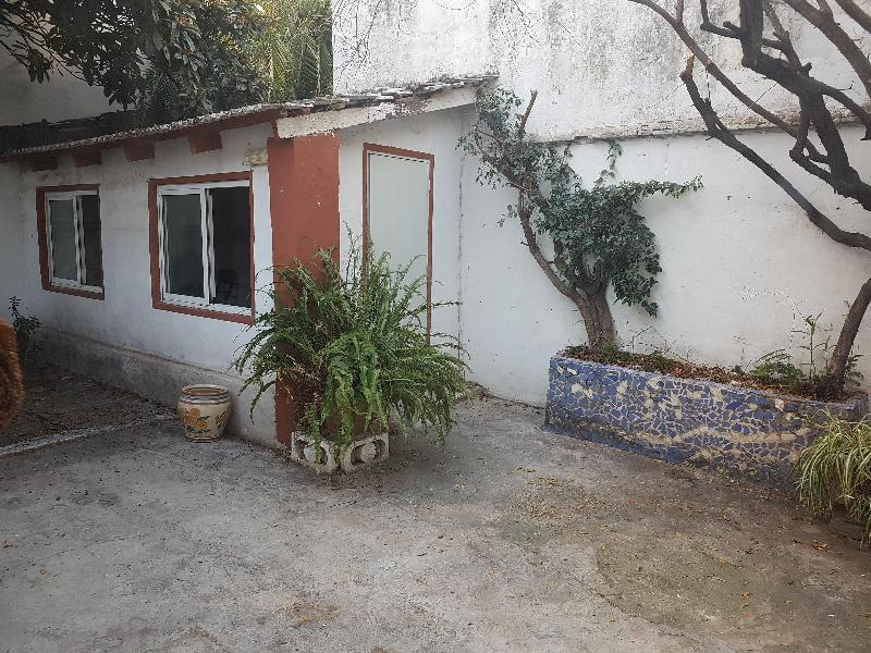 Casa  Calle del mestre caballero. Planta baja en pleno centro de benimaclet, cocina y baño reforma