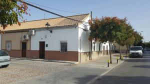 Casa adosada en Venta en Ronda de San Agustín- María Auxiliadora / Écija