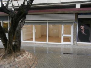 Local comercial en Alquiler en Torres I Bagues / Centre - Sant Oleguer