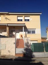 Casa adosada en Venta en Clavellinas / Cabanillas del Campo