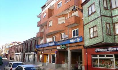 Locales de alquiler con parking baratos en España