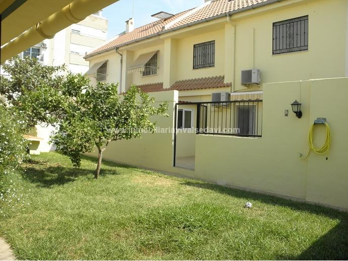 Casa adosada en valencia capital en el forn d 39 alcedo en for Casa colonica vivente del sud