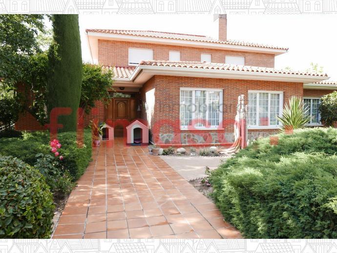 Foto 3 von Haus in Junto Ciudad Financiera Del Bsch / Casco Antiguo, Boadilla del Monte