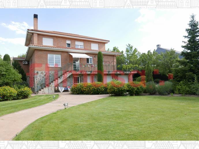 Foto 40 von Haus in Junto Ciudad Financiera Del Bsch / Casco Antiguo, Boadilla del Monte