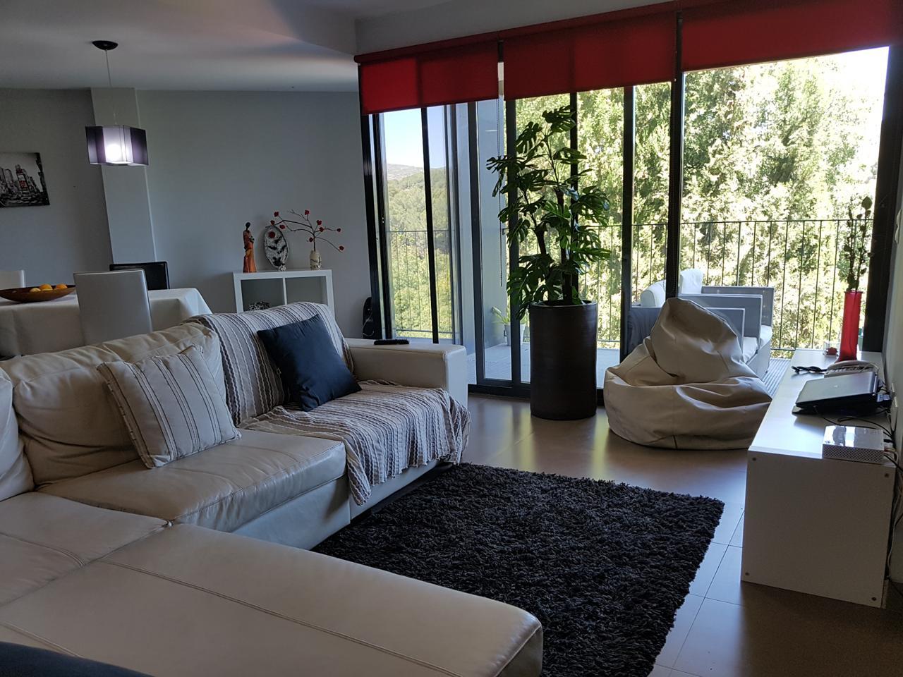 Pis  Navajas ,río. Este interesante y moderno apartamento se encuentra ubicado en l