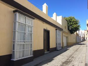 Casa adosada en Venta en Centro / Centro