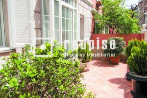 Casa adosada en Venta en Gustavo Fernandez Balbuena / Chamartín