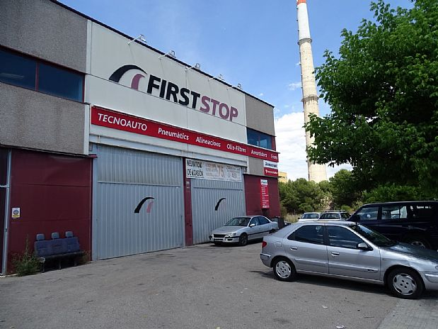Nave industrial en Mas Trader-Corral d´En Tort-Corral d´En Cona. Nave industrial en calle vallespir 18 8880 cubelles(barcelona)