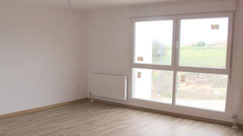 Foto 2 de Casa adosada en venta en San Pedro Villariezo, Burgos
