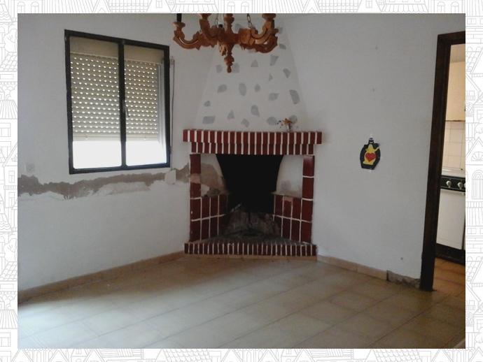 Foto 2 de Casa adosada en Malpartida De Cáceres, Zona De - Malpartida De Cáceres / Malpartida de Cáceres