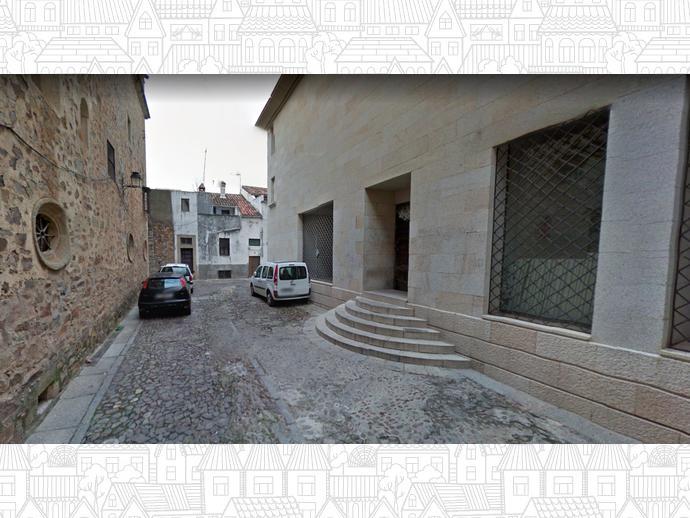 Casa adosada en c ceres capital en ciudad monumental en for Alvarez de castro
