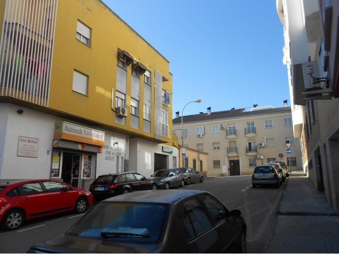 Foto 2 de Apartamento en San Blas / Ciudad Monumental, Cáceres Capital