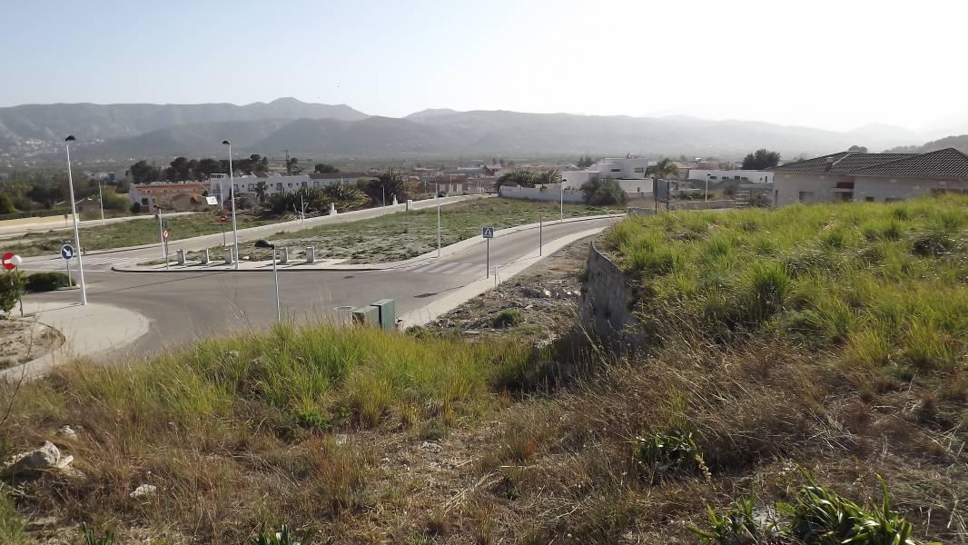 Solar urbà  Beniarbeig ,montecorona. Parcela con vistas panorámicas al valle y montañas en Beniarbeig
