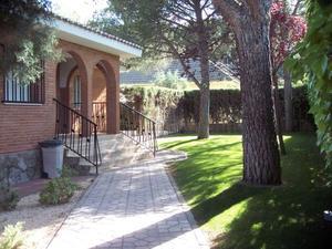 Chalet en Alquiler en Toledo / Villalbilla