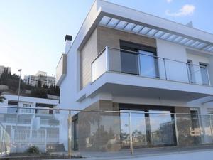 Cases adossadas en venda barates a Málaga capital y entorno
