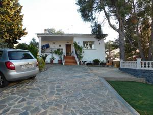 Casas adosadas de alquiler vacacional con terraza en España